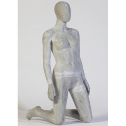 Mannequin Femme à genoux...