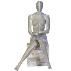 Mannequin assis Monique d'une hauteur de 137 cm